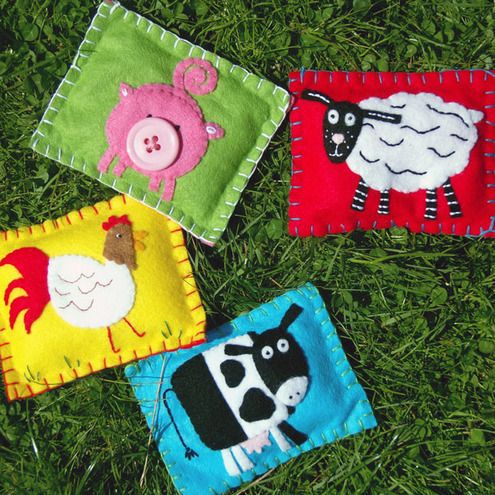 Farm Animal Bean Bags-- Old Mac Donald had a farm and on that farm he had a.... A great summer game! Keep the kids entertained for hours w/ these fun felt animal bean bags