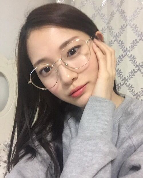 Pin by Aera on ♡ 얼짱 ♡ | Korean glasses, Asian glasses ...