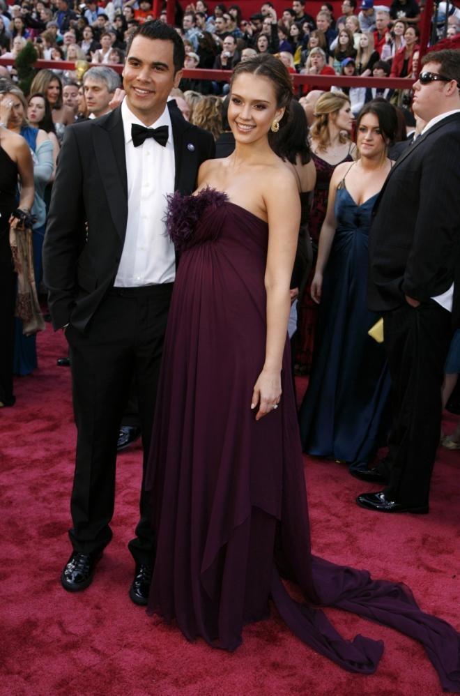 3. Jessica Alba - Top 20 pregnant celebrity fashion
