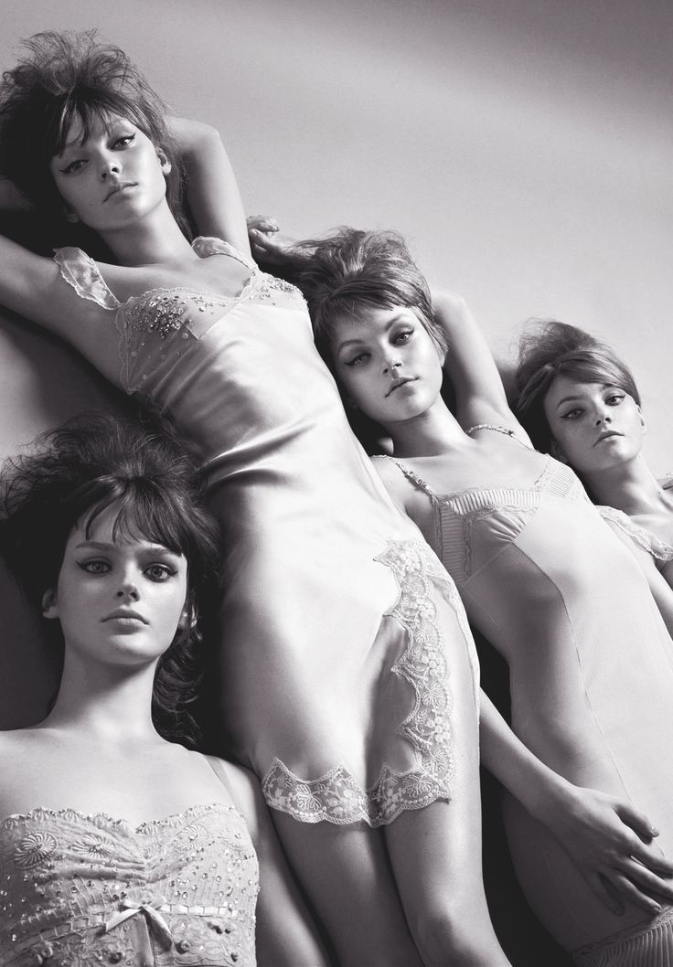 """Lisa Cant, Heather Marks, Jessica Stam & Caroline Trentini/Vogue Italia February 2004 """"Be My Baby"""" By Steven Meisel"""