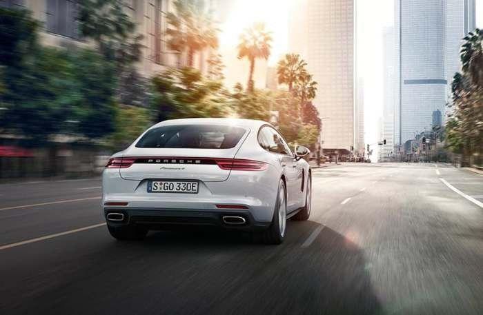 Гибридный автомобиль от Porsche, которому достаточно 2,5 литра топлива на 100 км