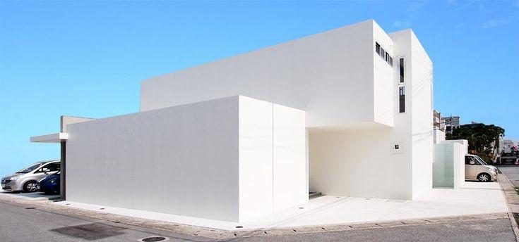 真っ白な外観(糸満の住宅) - 外観事例|SUVACO(スバコ)
