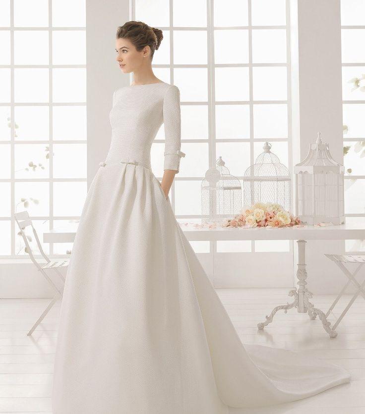 Свадебное закрытое платье с рукавами