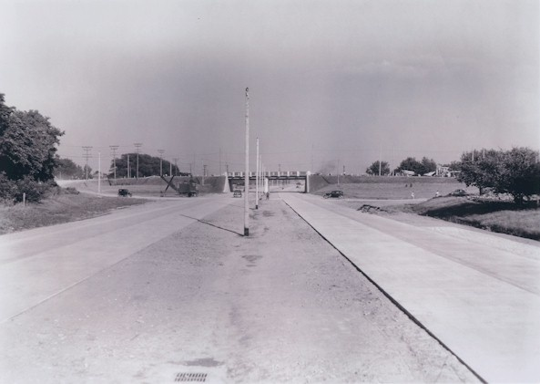 A pic of the QEW looking east towards Niagara and Vine Streets in St. Catharines (Aug. 21, 1940)