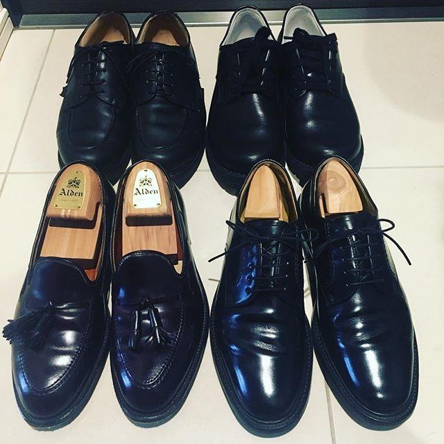 2017/02/05 10:54:23 sacamogram 靴磨き完了。  いい靴を履くと、いい場所へ連れていってくれる。らしいです。  定番だから10年後も同じものが買えたり、10年後も使い続けれるものを買いたいですね。  #paraboot #chambord #goro #regal #alden #563 #cordovan #tassel #loafer #パラブーツ #シャンボード #ゴロー #リーガル #オールデン #コードバン #タッセルローファー #足元倶楽部 #instashoes