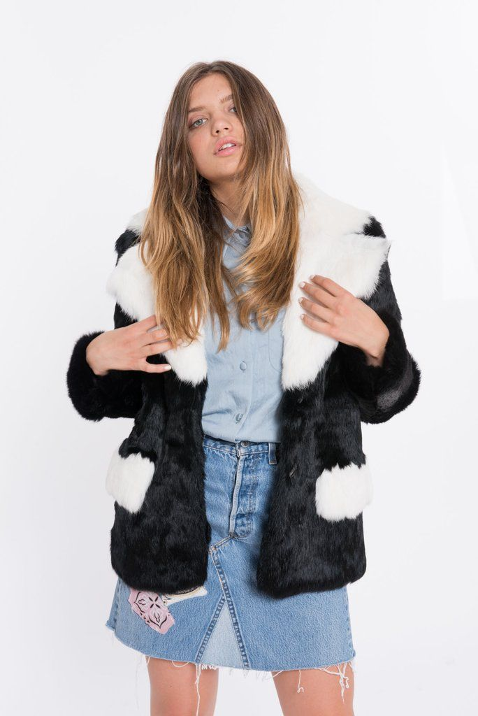 The BLOCCATO brings together 2 bold tones for 1 rich, effortlessly chic rabbit fur jacket. Shop Online Now @ SHACIFUR.com - Free Shipping on all US orders!