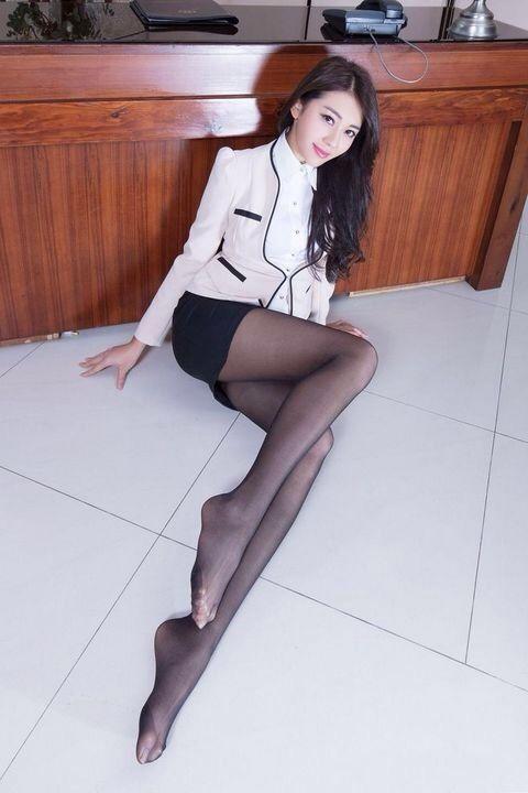 Sexy taiwan girls in stockings pic 240