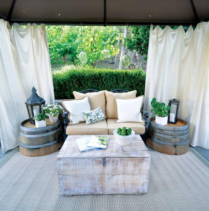 Garden makeover on a dime #OutdoorCorner, #WineBarrel