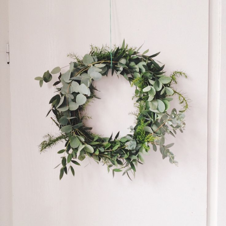 eucalyptus wreath DIY / fall autumn winter wreath.