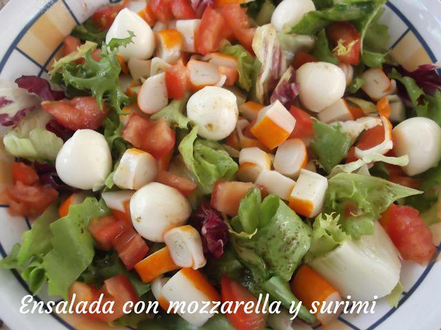 Ensalada de mozzarella y surimi