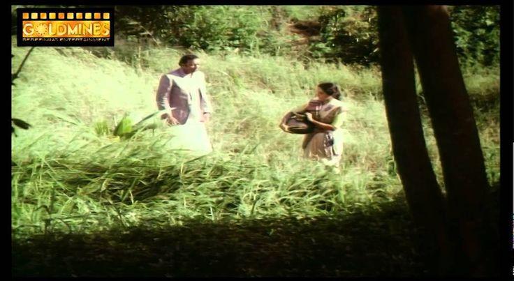 Free Naram Garam 1981 | Full Movie | Amol Palekar, Utpal Dutt, Swaroop Sampat, Shatrughan Sinha Watch Online watch on  https://www.free123movies.net/free-naram-garam-1981-full-movie-amol-palekar-utpal-dutt-swaroop-sampat-shatrughan-sinha-watch-online/