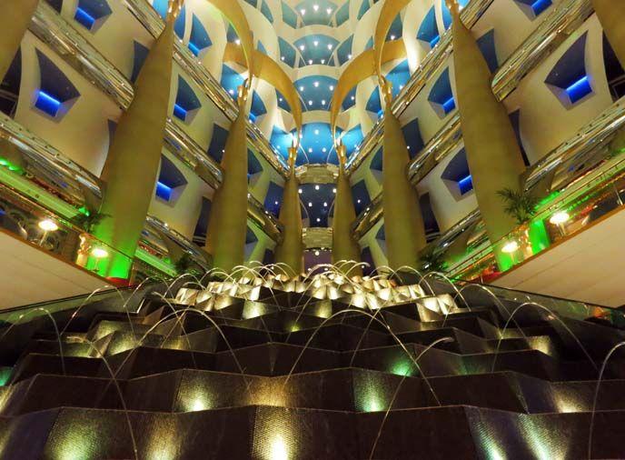 Travel Blogger And TV Host La Carmina Went To The Burj Al Arab Famous 7