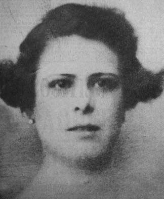 El occiso (1971) fue el único libro de cuentos que la boliviana María Virginia Estenssoro publicó en vida y los 3 relatos que lo componen fueron suficientes para que por ese entonces se desatará una campaña en su contra. En uno de sus cuentos, María Virginia narraba una relación amorosa basada en el erotismo y en otro de ellos se describía un aborto voluntario. Ambos temas fueron la causa de que los sectores más conservadores de su país se unieran en contra de ella.