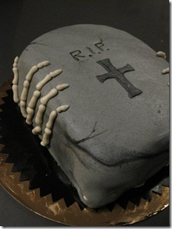 scary cake halloween skeleton and rip tombstone - Simple Halloween Cake Decorating Ideas