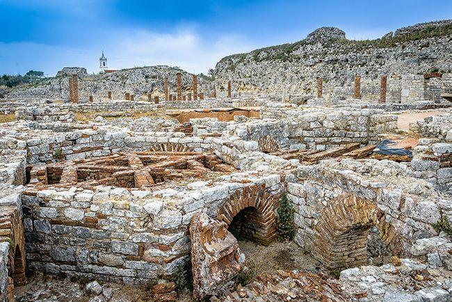 Ruínas de Conímbriga, Condeixa-a-Velha, Portugal. Este povoado romano foi habitado durante o século IX a.C. e o séc. VII e VIII d.C. É fascinante a quantidade de divisórias que ainda se conseguem distinguir nas ruínas que restam. Atualmente podem ser visitadas como monumento nacional.