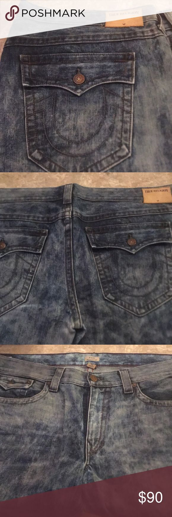 Men's True Religion jeans Men's True religion straight leg jeans size 44 waist 24' rise 11' inseam 33' True Religion Jeans