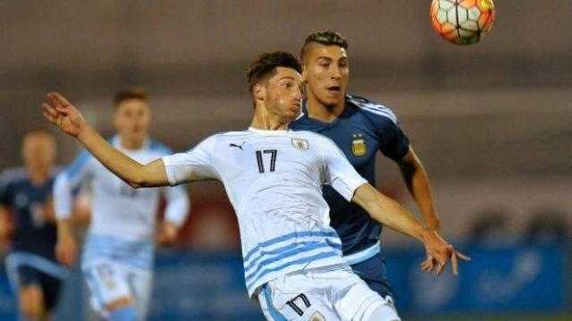 Argentina y Uruguay empataron 3-3 en segunds fecha.