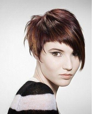 Tagli capelli corti 2011: tutte le novità  - Taglio asimmetrico bicolore