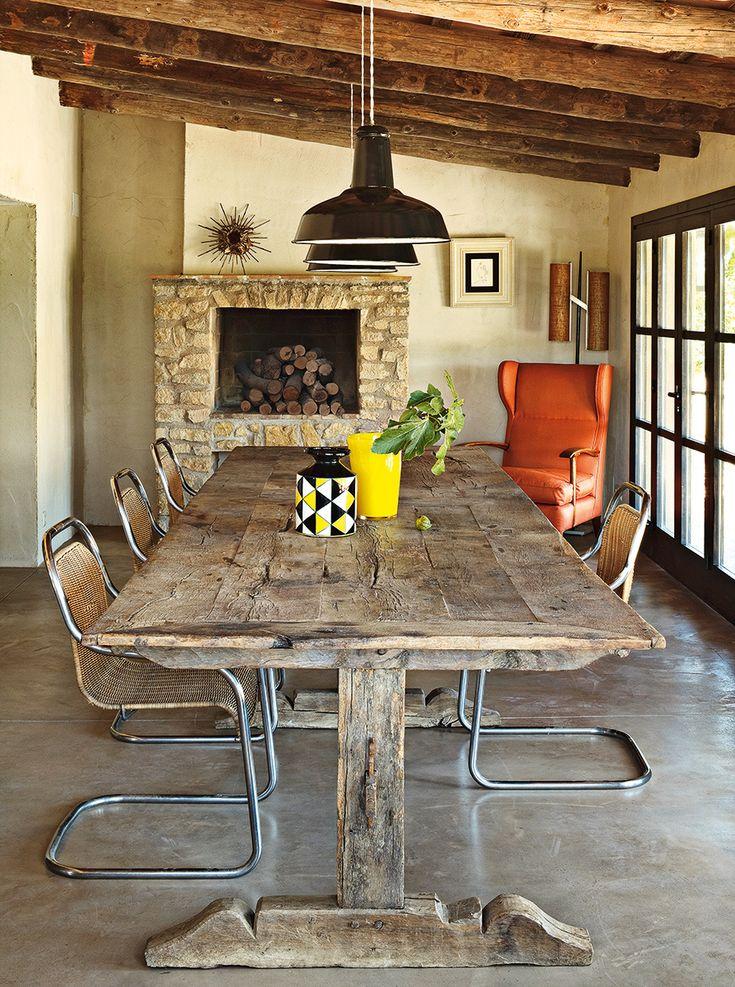 Colorido | El anticuario Serge Castella convirtió una cabaña abandonada en el paraíso de una pareja. En Pals, entre olivos centenarios, sus recuerdos de niño fueron la clave para llenar de belleza el espacio.