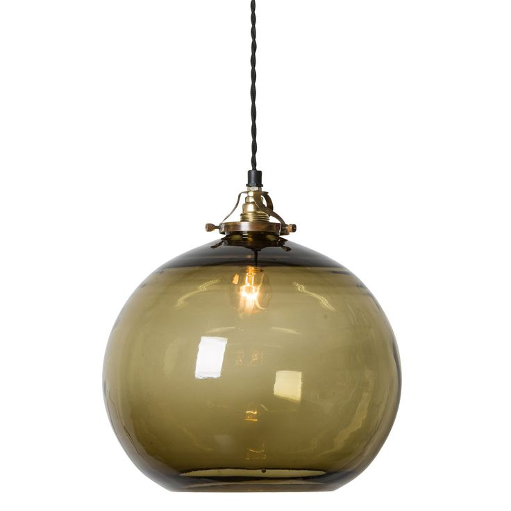Hope pendel från Watt & Veke. En snygg och stilren lampskärm som är tillverkad i munblåst glas. Lamp...