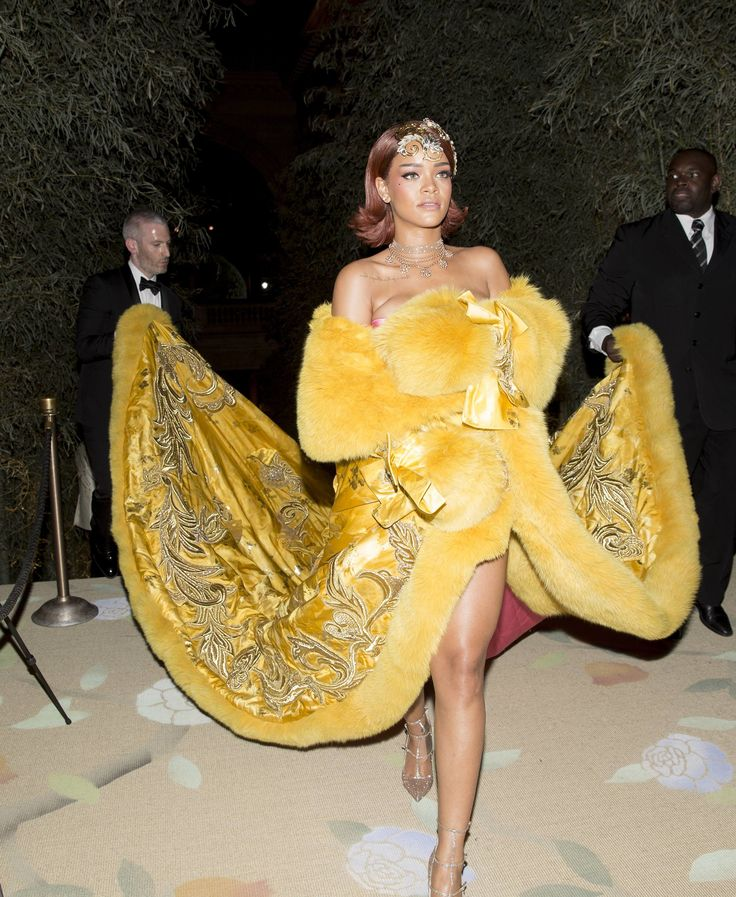 Rihanna in Guo Pei at the Met Gala 2015
