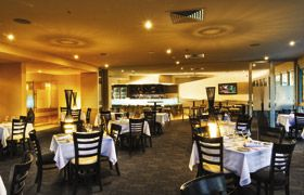 Watermark Hotel Brisbane specializes in boutique conferences, meetings, cocktail functions and gala dinners, with contemporary conferencing facilities and the stylish 551 Restaurant & Bar overlooking the Roma Street Parkland.