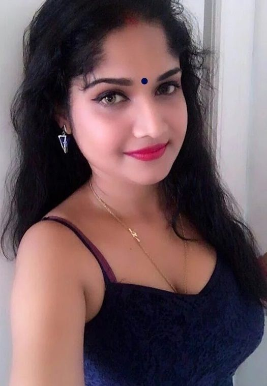 Meet This Hot Indian Housewife Girl Httpwww -8567