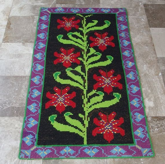 Vintage Embroidered Rug Runner Wallhanging by VintageHomeStories