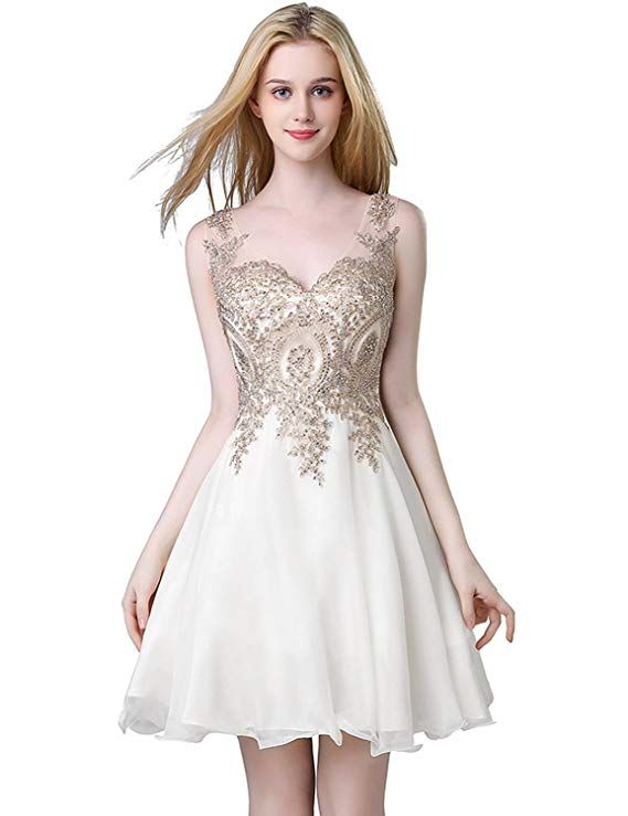af2a5b8e80e2 Amazon.com: Sarahbridal Short Homecoming Dresses for Juniors V-Neck Knee  Length Prom Party Gowns Black US6: Clothing