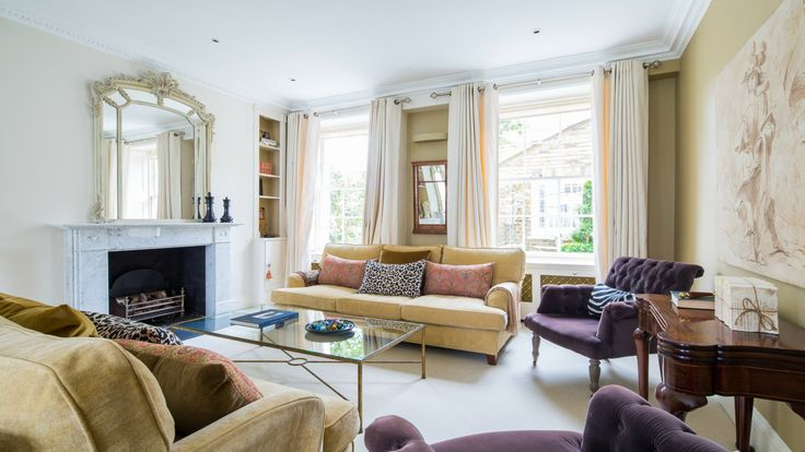 Welcome to the Victoria, a royal name for a superb London vacation rental home with 4 bedrooms, 3.5 bathrooms and a peaceful Kensington setting.