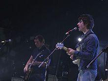 https://es.wikipedia.org/wiki/Arctic_Monkeys
