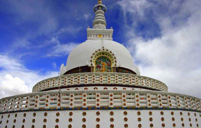 Praying at Shanti Stupa | 101 things to do in Leh Ladakh