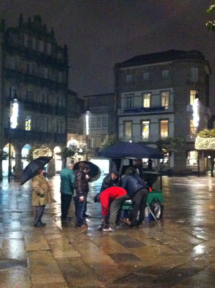 Plaza de la Herrería. El puesto de castañas, como todos los inviernos.