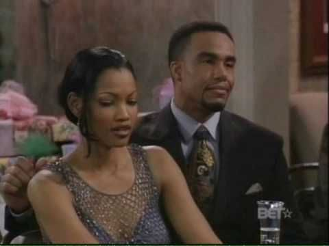 Jamie Foxx sings to Fancy aka Garcelle Beauvais on piano ...