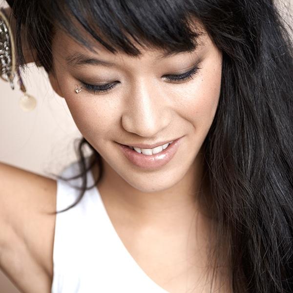 Leeloo du blog le Dressing de Leeloo maquillée en Une Natural Beauty ! #unebeauty