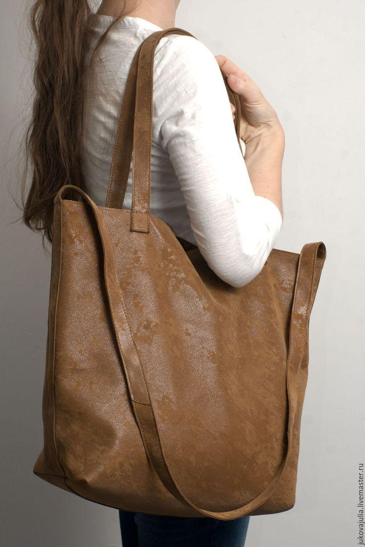 Купить Большая сумка шоппер кожаная рыжая коричневая блестящая на ремне - шоппер, большая сумка