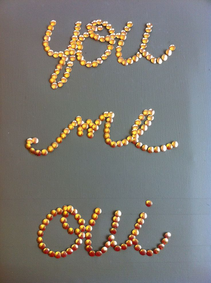 gorg. DIY: thumbtack word art.