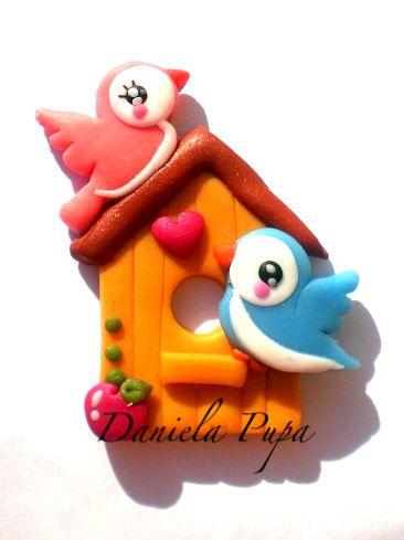 Vogelhaus mit Vögel