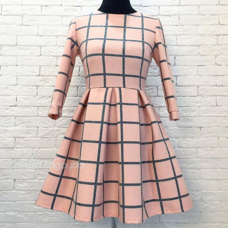 Ну что,начну вам потихоньку представлять новиночки,все в единственном экземпляре,но возможен повтор на ваш размер) ❗️продано❗️ Платье из шерсти на трикотаже) Размер 42 (длина юбки 45 см) Цена 5000 #liza_lagoyda  #пошивназаказ #инстамамыростов #платье #платья #шерстяноеплатье #шерстьнатрикотаже #теплоеплатье #платьеназиму #зимнееплатье #стильныеплатья #клетчатоеплатье #пудра #роды #выписка #платьядлядевочек #клетка #платьевклетку #ростов #рнд #платьяростов #платьябатайск #платьямосква…