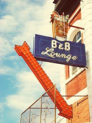 1244 Best Signage Images On Pinterest Vintage Neon Signs