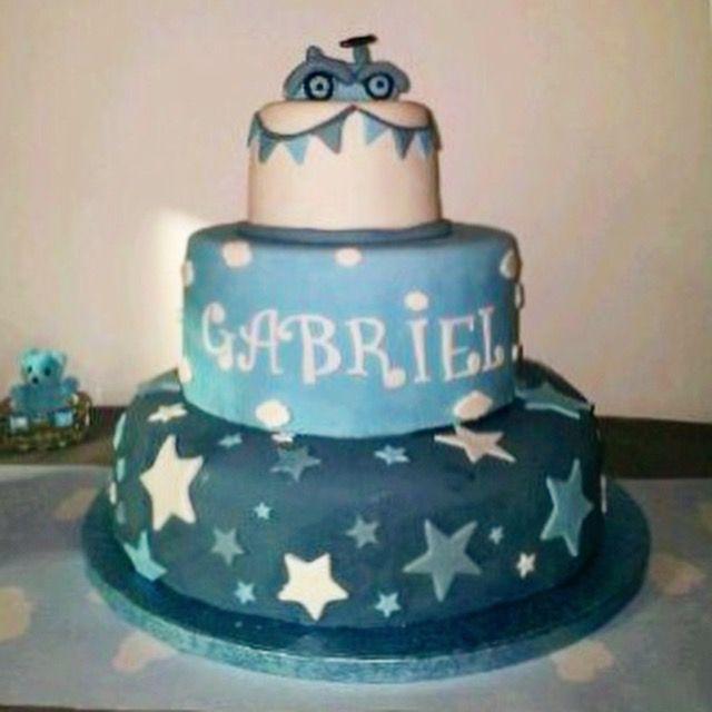 Gâteau pâte à sucre bleu et gris étoile nuage voiture ancienne
