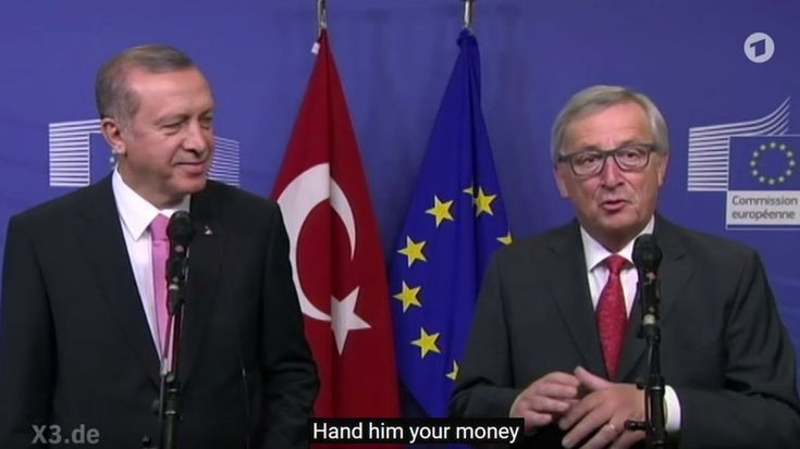 European Commission head Jean-Claude Juncker has criticized Ankara's reaction to a satirical clip about President Recep Tayyip Erdogan broadcast on German TV. Summoning the ambassador over the matter alienates Turkey from the EU, Juncker said.