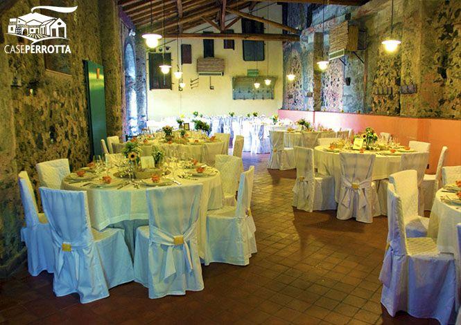 Allestimento sala Cantina per ricevimento nozze in giallo