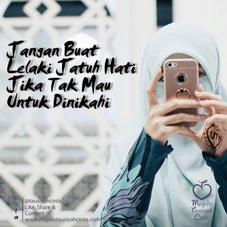 Sejuk Nan Menentramkan  #KauLebihBerharga  Dear... Saudariku yang cantik hatinya berbudi pekerti nan mempesona serta lembut dalam tingkah laku dan kata. . Saudariku... . . Kecantikan adalah anugrah tapi jua bisa menimbulkan musibah. Jagalah ia dan lindungilah balut tubuhmu dengan hijab syar'i bukan hijab yang sedang nge-Trend dimasa kini. . Karena dikau permata karena dikau mulia kamipun malu tuk menggoda apatah lagi untuk berbuat aniaya. . Karena dikau permata karena dikau mulia. Engkau…