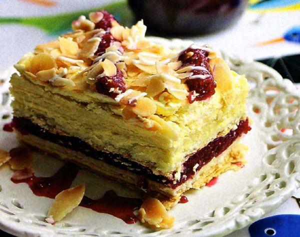 Торт слоеный с конфитюром