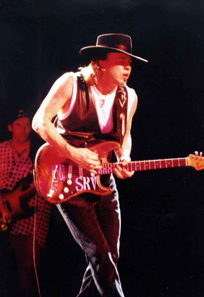 stevie-ray-vaughan-playing-guitar