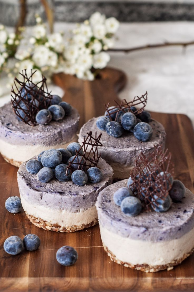 """Cheesecake"" Cru de Caju e Mirtilo! 4... | Be Nice, Make a Cake"