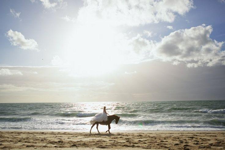Trash The Dress à cheval {Marie & Emilien}, Photographe: Pauline F Photography, wedding, bride, horse, mariée, mariage, TTD