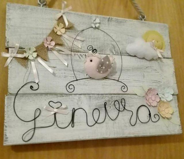 """Un tenero fuoriporta in stile shabby, per dare il benvenuto alla piccola Ginevra. Cerca su Bebuu.it lo shop """"cotton candy"""" #amore #amoredimamma #mamma #novemesi #ottomesi #follow #aspettandoilnatale #mammabis #benvenuto #paroladimamma #fashionista  #instakids #pregnant #boy #girl #auguri #incinta #baby #montessori  #natale  #bebeinarrivo #kids #love #shabby #lotrovisubebuu #ciaobebuu #fiocconascita #gravida #neonato #nascita"""