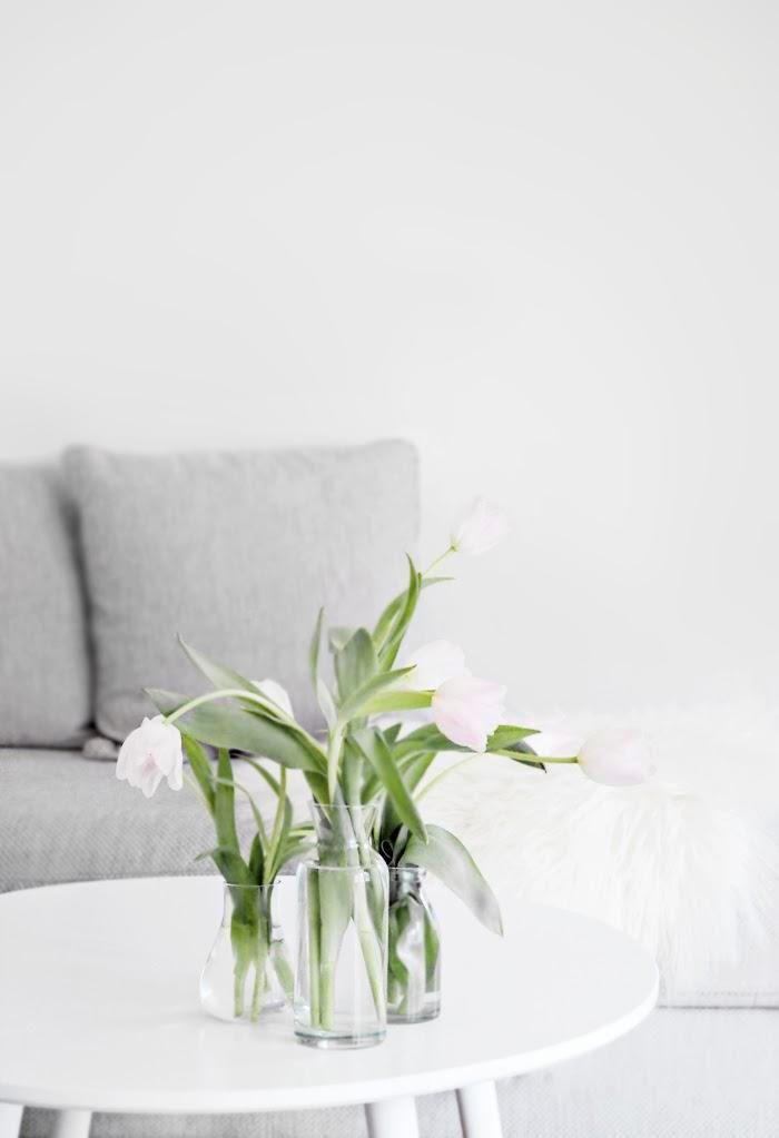 Hanging tulips, stylizimo